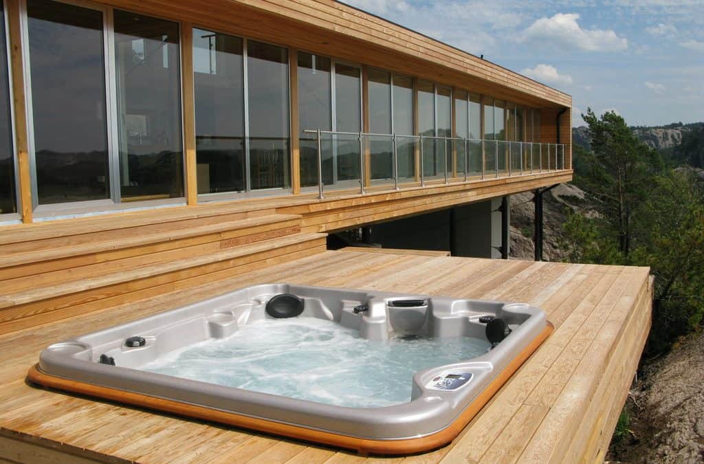 gallery hot tub home1